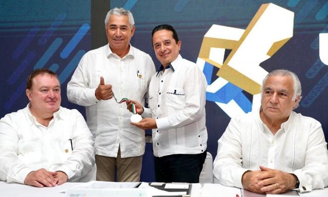 Industria inmobiliaria, fundamental para economía: Carlos Joaquín