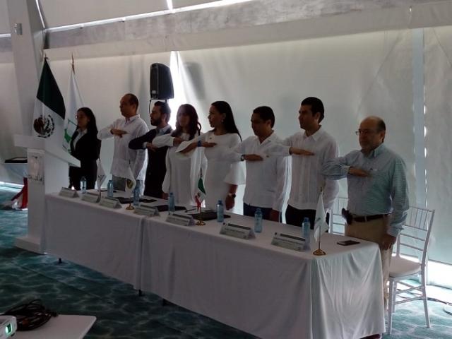 Ratifican a Tayde Fávila como presidente del AMP; presenta plan de trabajo